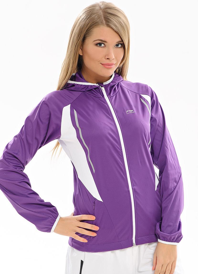 Куртки спортивные