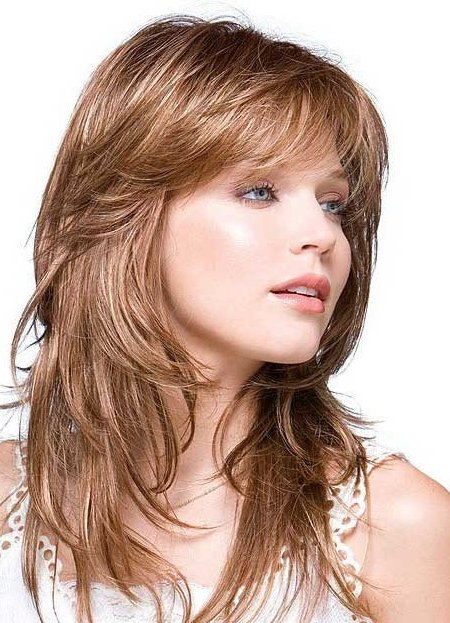 Прически и стрижки на волосы средней длины фото