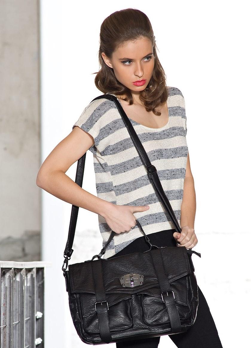 Фото девушек с сумками через плечо