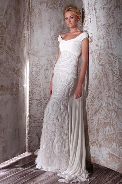 Изобр по > Бежевое Кружевное Свадебное Платье