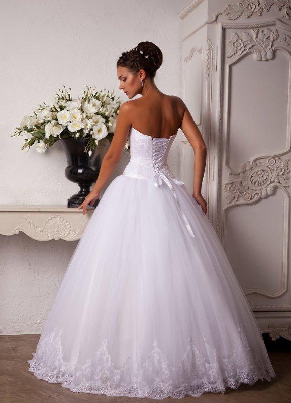 Пышные свадебные платья из фатина фото