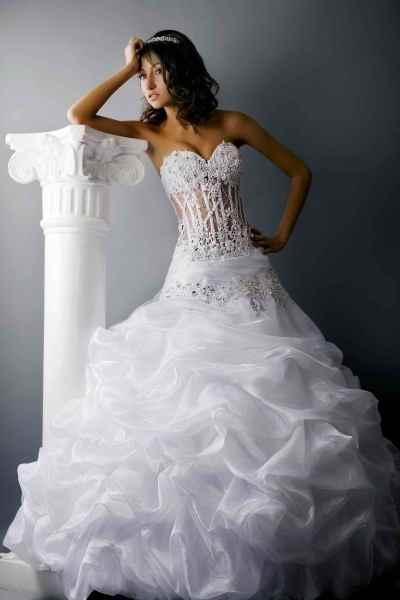 Cвадебное платье со стразами 3