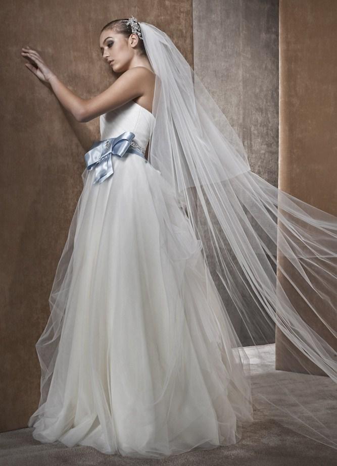 Свадебное платье с бантиком