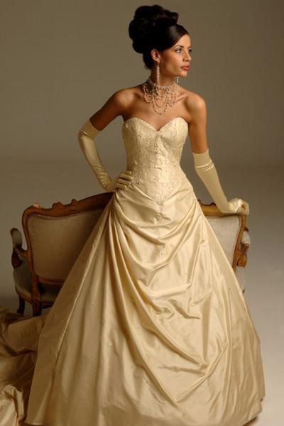Свадебные платья в кремовом цвете