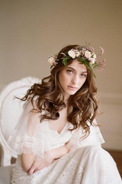 Свадебные венки из живых цветов на голову