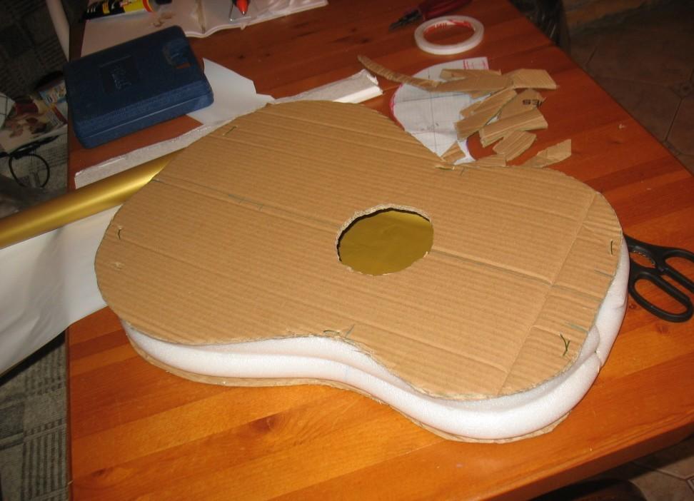 Как сделать игрушечную гитару в домашних условиях
