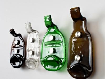 Поделка из стеклянных бутылки