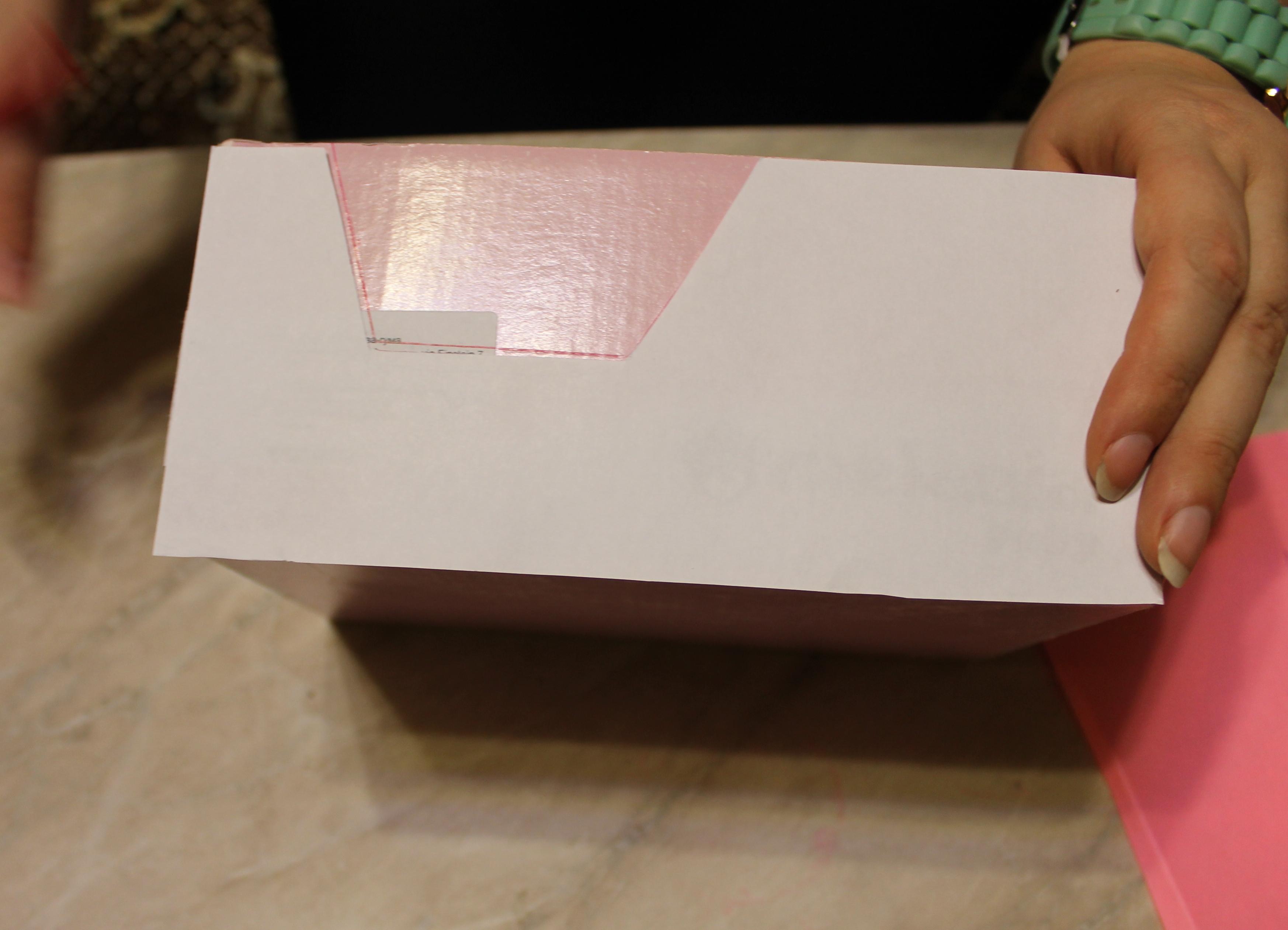 Как сделать для барби машину из коробки своими руками 29
