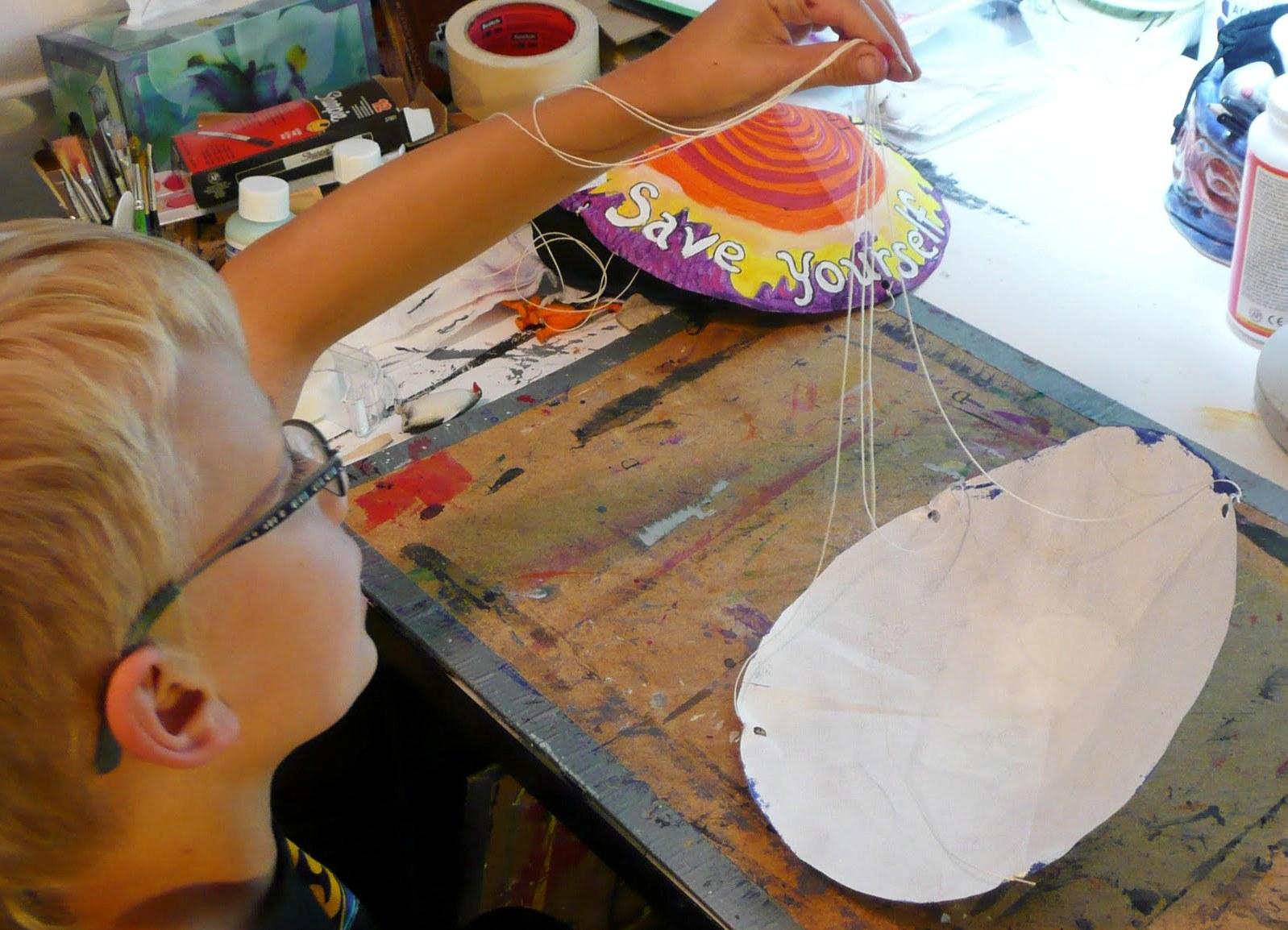 Как сделать парашют из бумаги фото 577