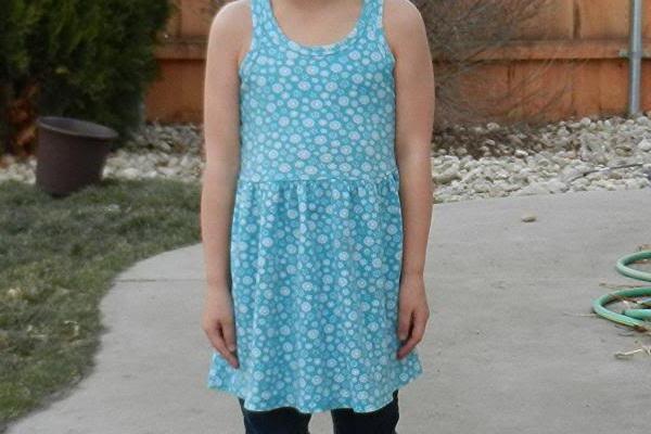 Удлинить платье ребенку
