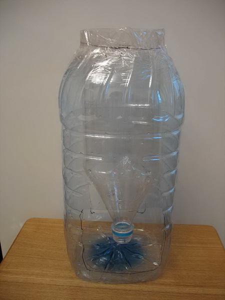 Как сделать кормушку из пятилитровой бутылки