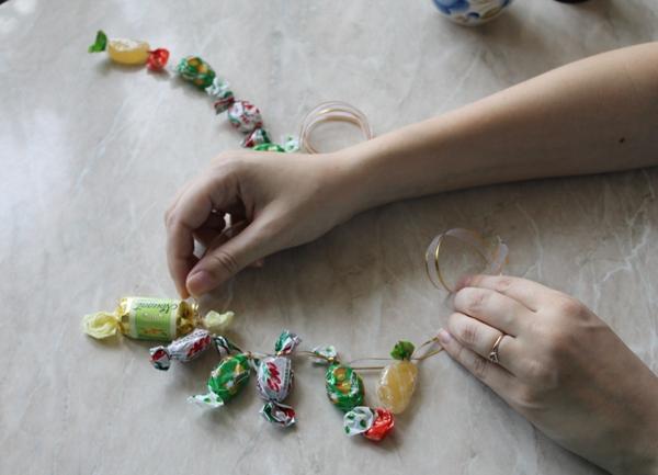 Своими руками из оберток конфет
