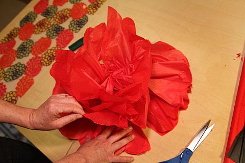 Видео как сделать маки из бумаги своими руками