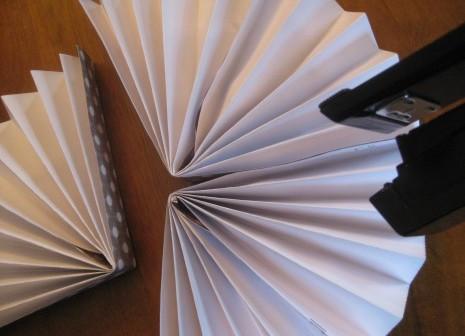 Сделать салфетку из бумаги своими руками