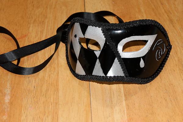 173Сделать маску венецианскую