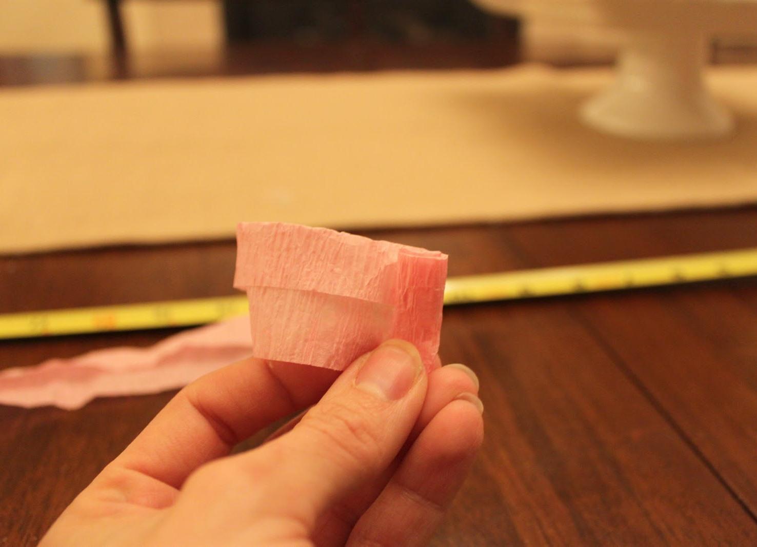 Как сделать из бумажной салфетки розу 176