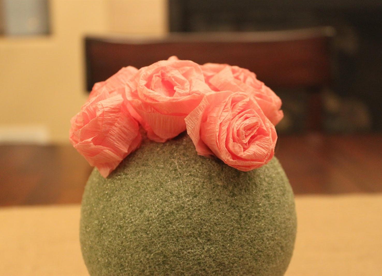 Цветы из гофрированной бумаги своими руками для топиария