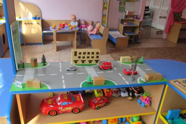 Уголок безопасности своими руками в детском саду фото