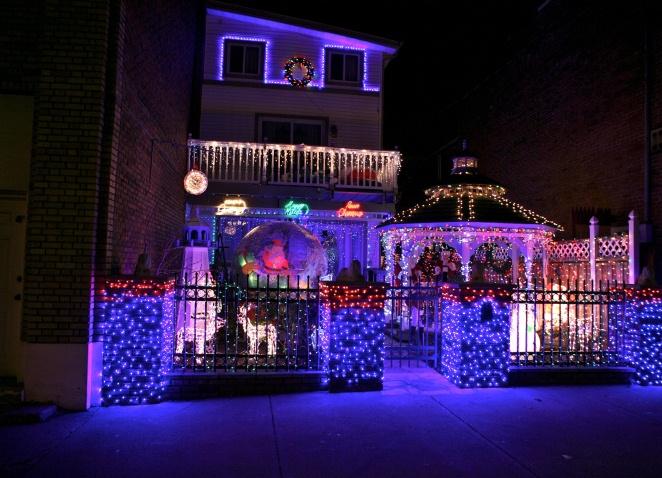 Новогоднее украшение фасада своими руками