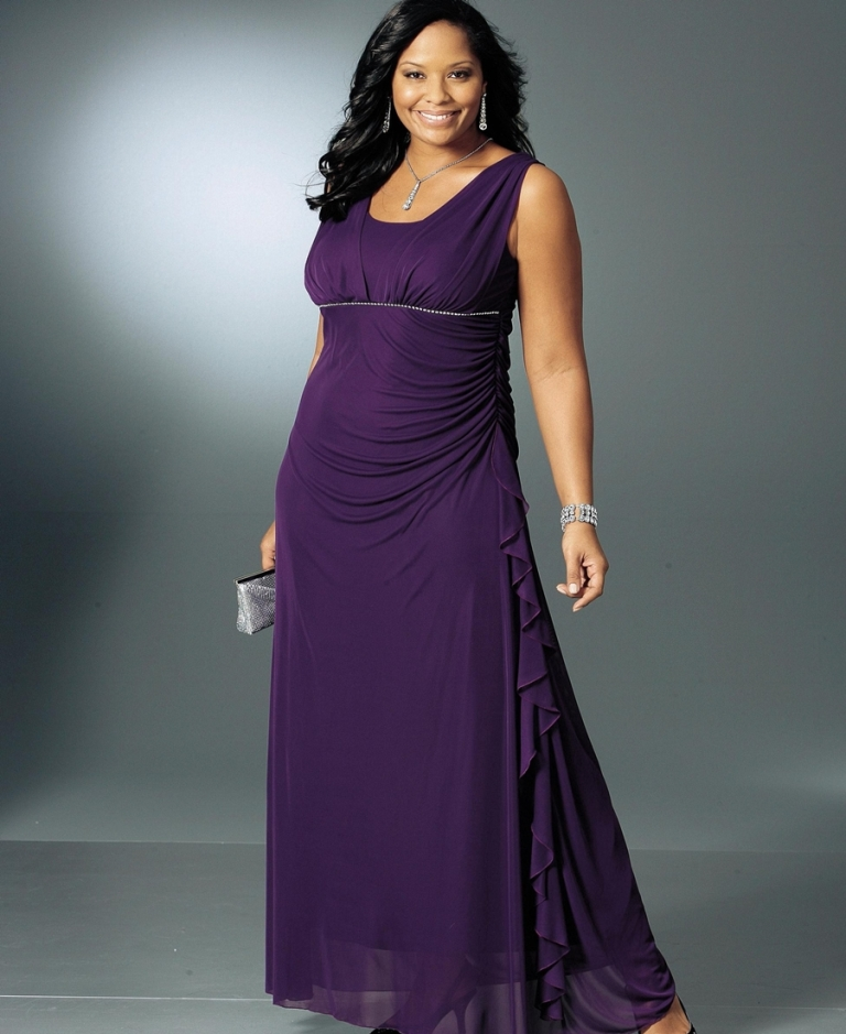 платья Вечерние с оголенной спиной для полных могут женщин быть как длинные, так и длины средней