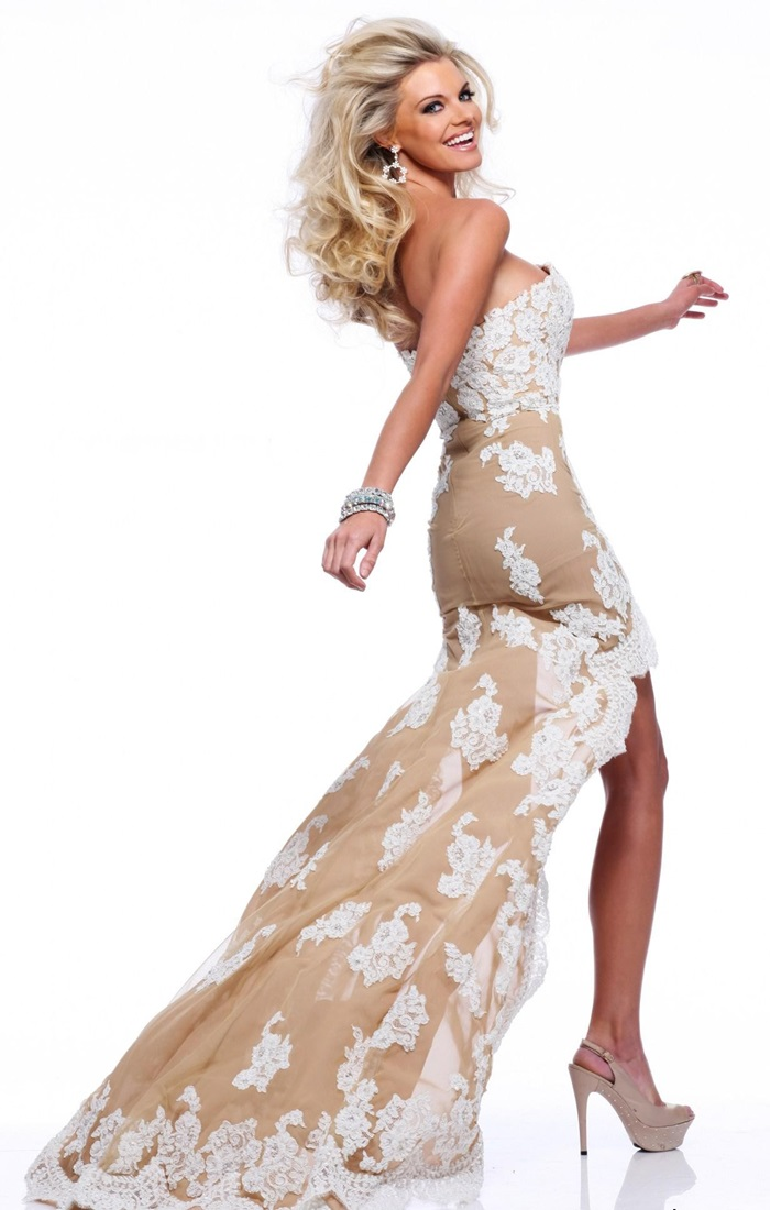 Красивые платье со шлейфом