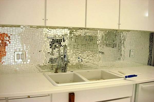 Mirror mosaic tile backsplash