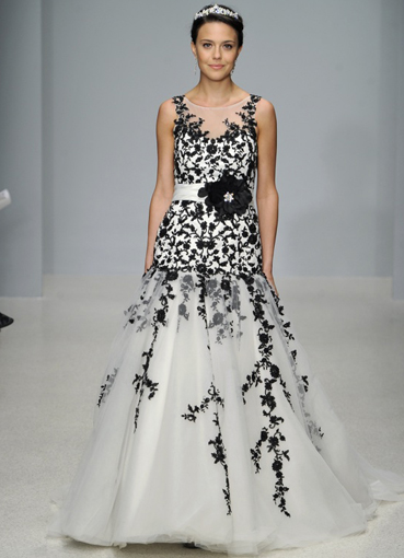 Вышивка лентами на платье фото