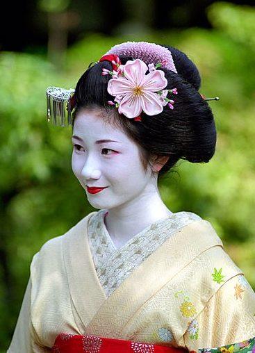 прическа японской женщины