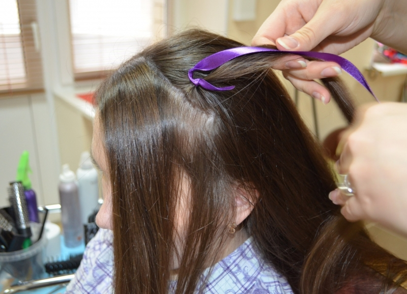 Как вплести в косы искусственные волосы