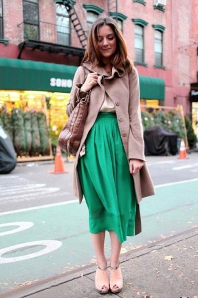 Красивая зелёная юбка
