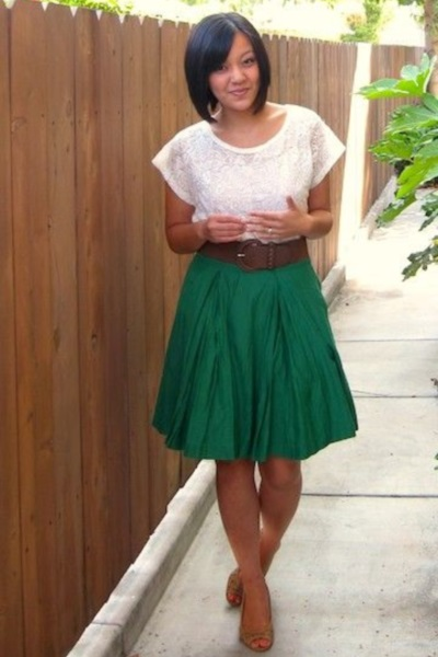Яркая зеленая юбка