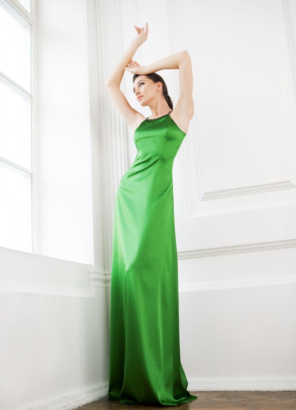 Фото девушек в зеленом длинном платье