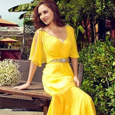 Вечернее платье жёлтого цвета
