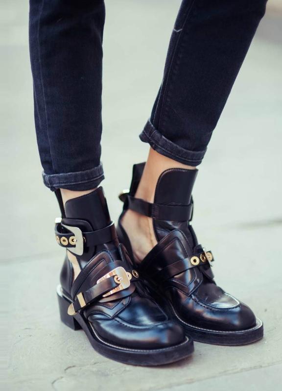 Под ботинки грубые