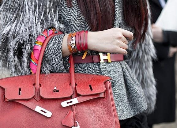 Стильные кожаные браслеты женские
