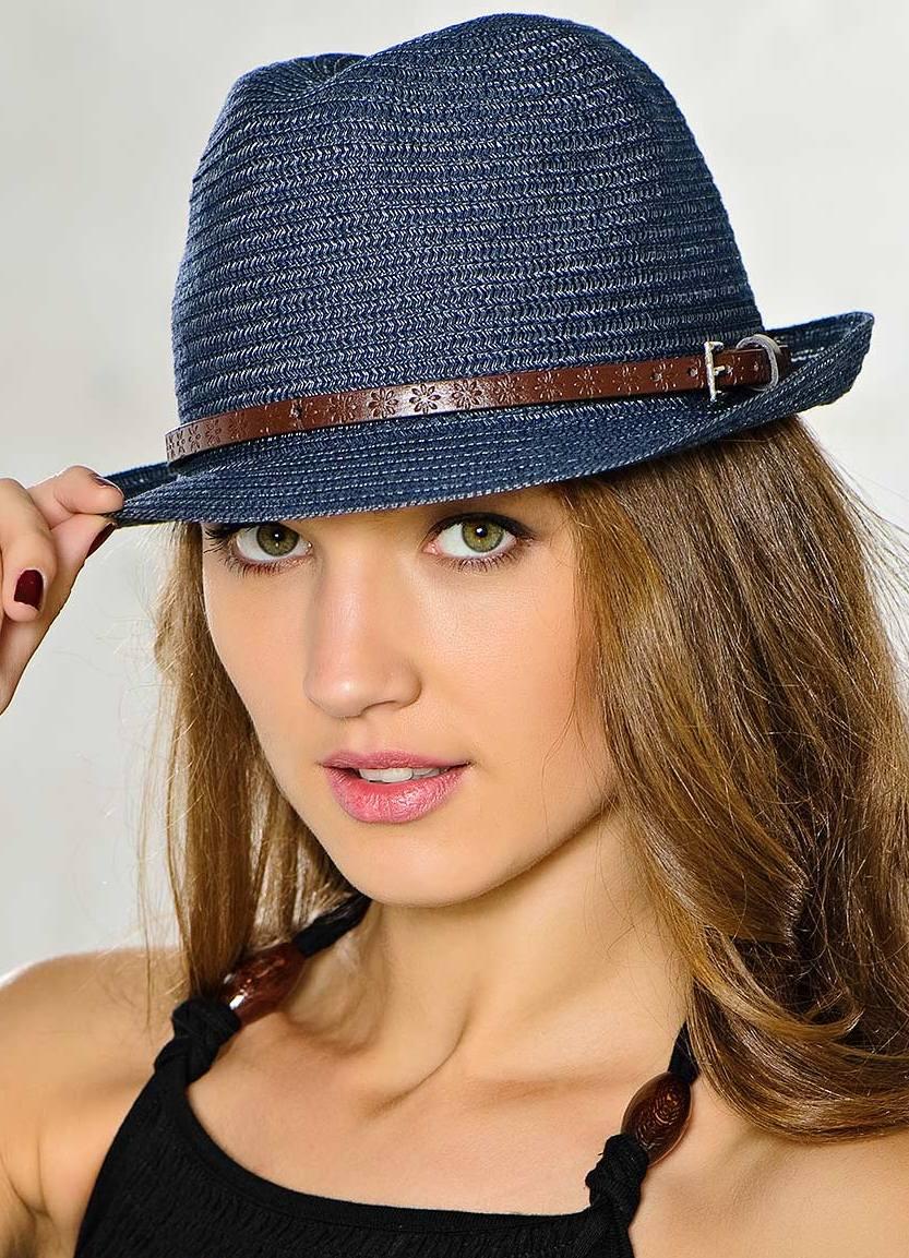 Шляпа с маленькими полями