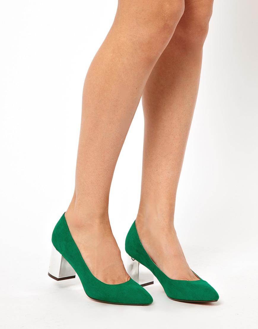 Туфли классика женские на низком каблуке