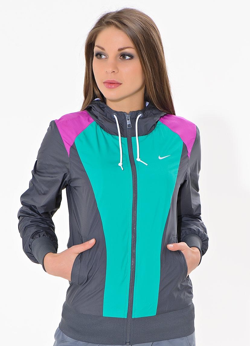 Модные спортивные ветровки