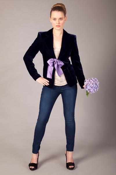 Женские пиджаки и костюмы доставка