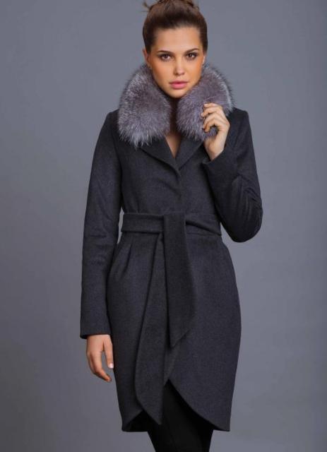 Зимнее женское пальто с мехом. красивое женское зимнее пальто купить ... 82e9416f3f3