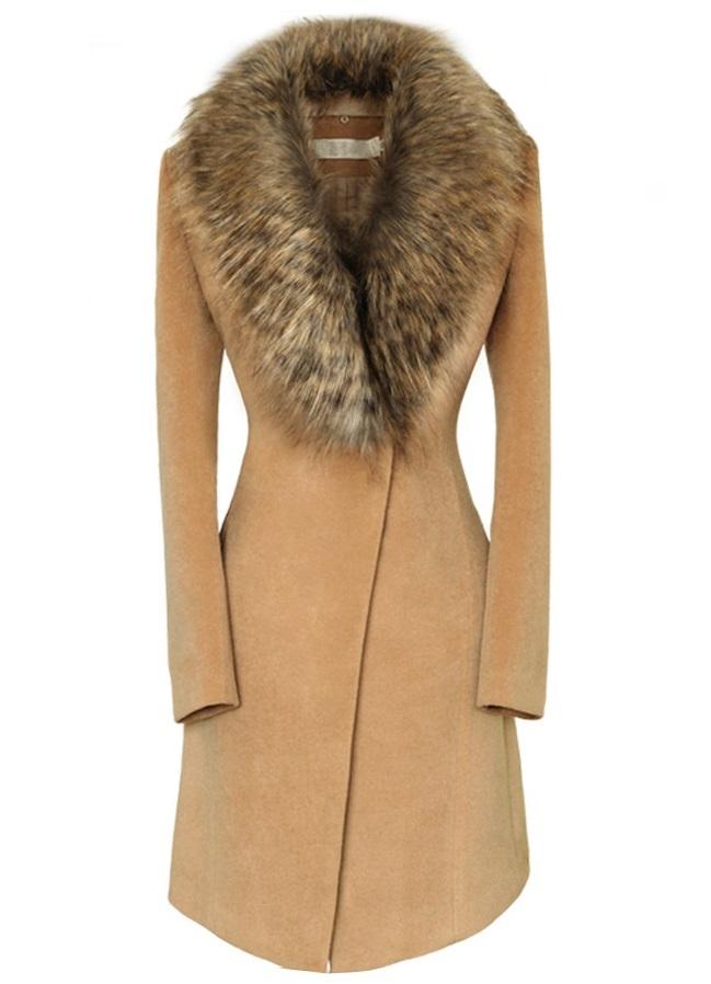 Фото женского пальто с мехом