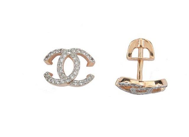 кольцо золото с отверстием в центре