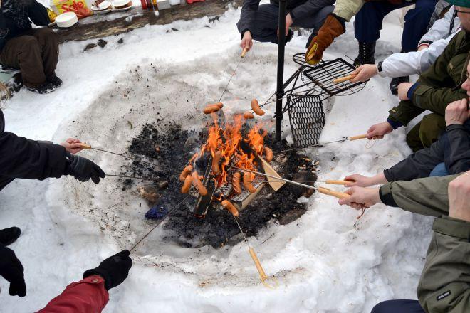 Сосиски на открытом огне