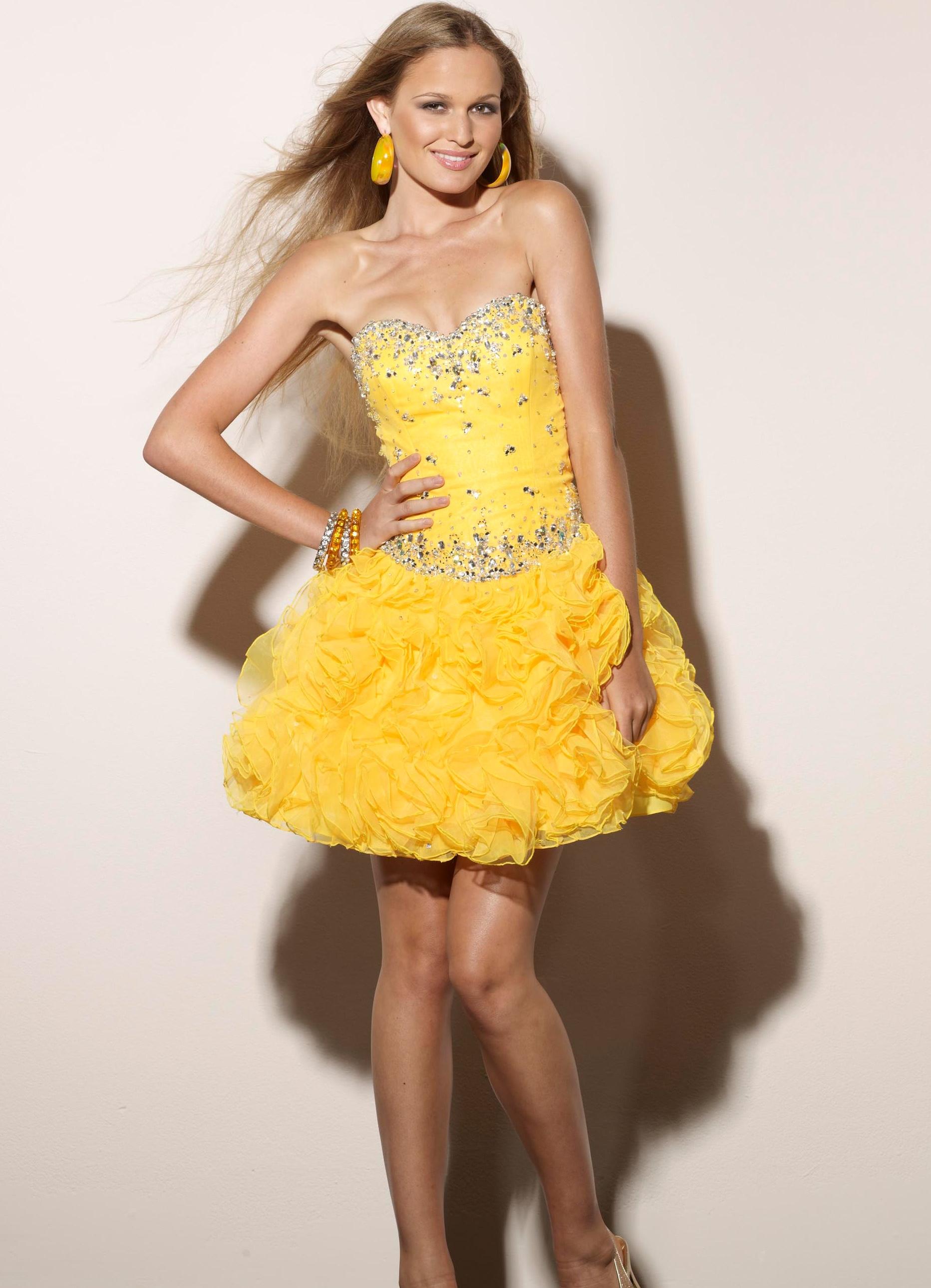 5bdfd9e35f8 короткое платье с пышной юбкой4 ...