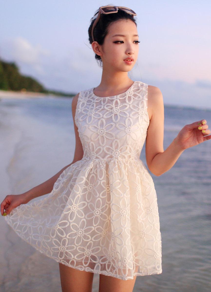dc8f81a11b3 Летнее белое платье с кружевом