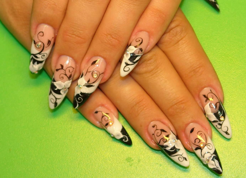 фото рисунки на острых ногтях