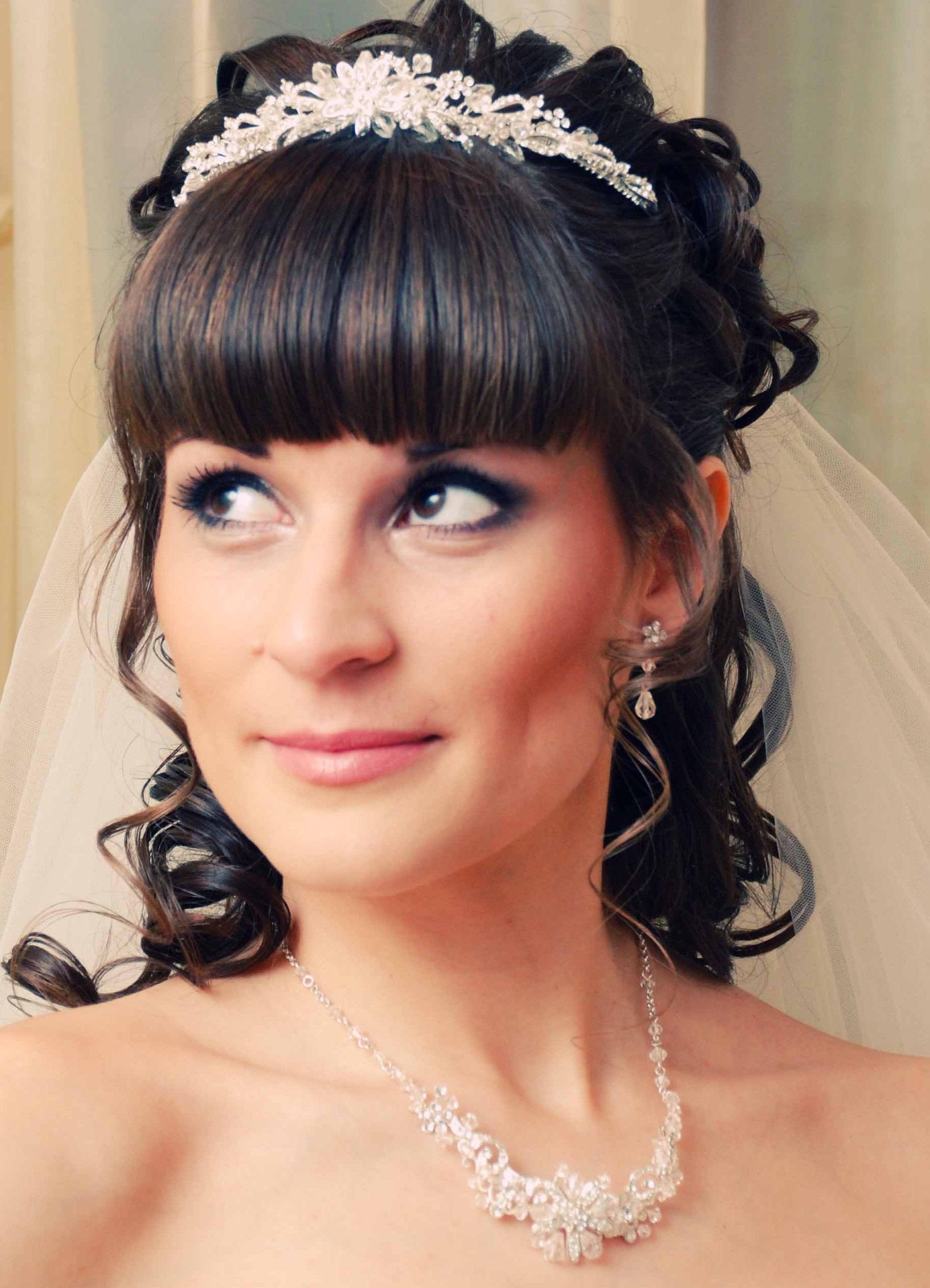 Свадебные прически с диадемой 2018 фото (31 шт) видео 69