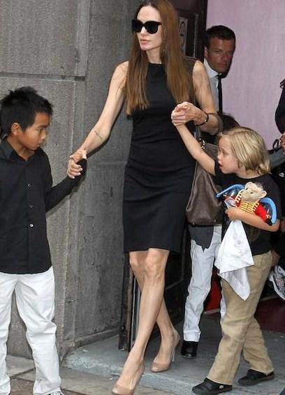 Анорексия Анджелины Джоли брэд питт и анджелина джоли