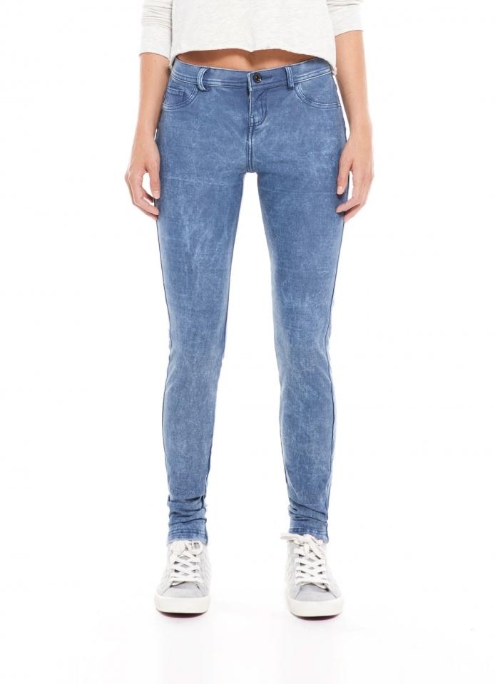 с чем носить джинсовые легинсы фото