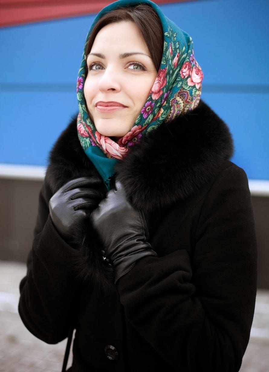 чем носить дубленку зимой платок на голове